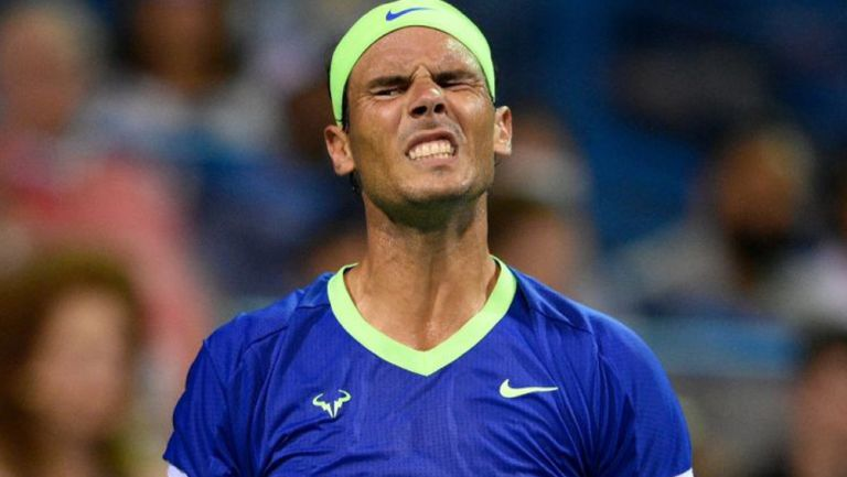 Rafael Nadal reacciona durante partido
