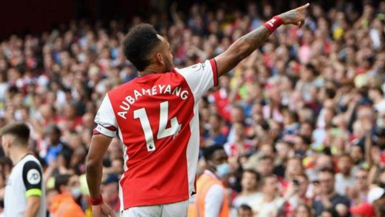 Pierre-Emerick Aubameyang en festejo con Arsenal