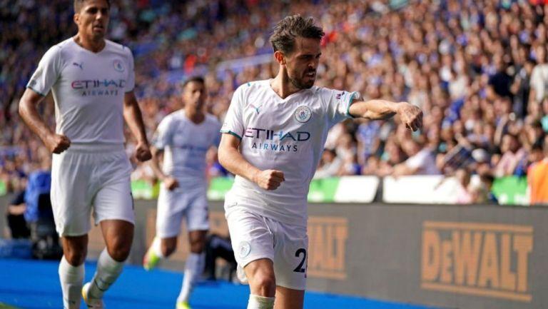 Bernardo Silva en festejo con Manchester City