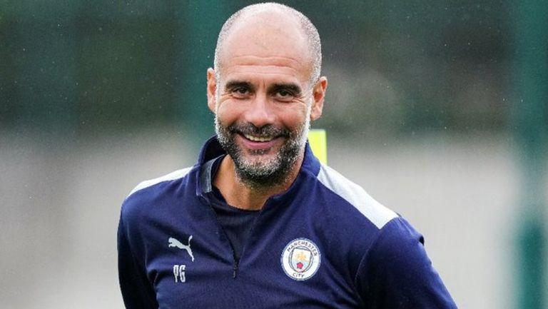 Pep Guardiola durante entrenamiento del Manchester City