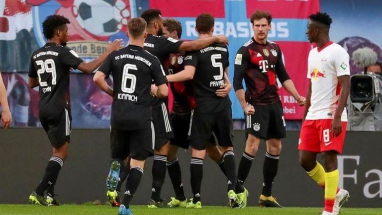 Jugadores del Bayern celebrando un gol en contra del Leipzig