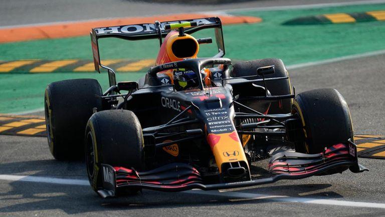 Checo Pérez perdió el podio por sanción en el Gran Premio de Italia