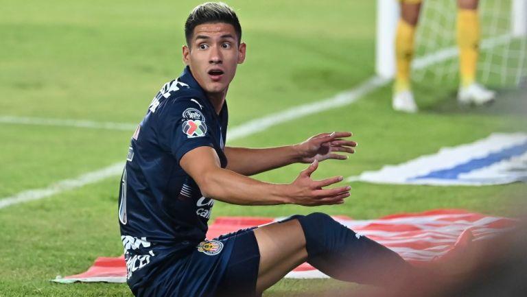 Uriel Antuna en lamento con Chivas
