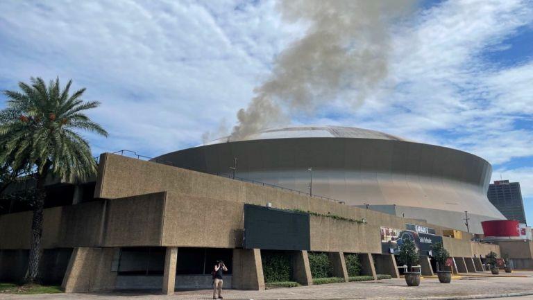 Techo del Superdome se incendió