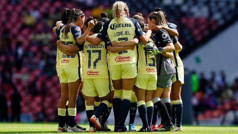 Las jugadoras de América Femenil antes de un partido