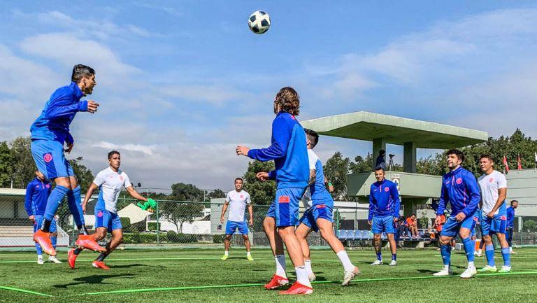 Entrenamiento del Cruz Azul previo al juego ante Puebla