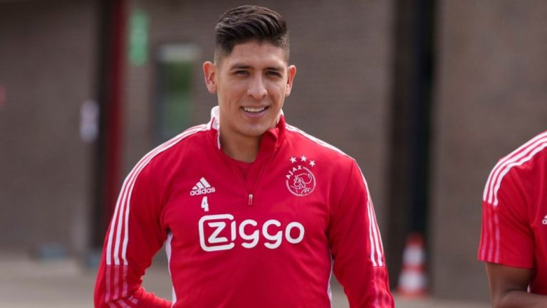 Edson Álvarez en un entrenamiento del Ajax