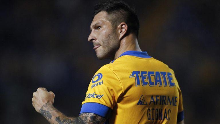 Gignac festeja un gol con los Tigres