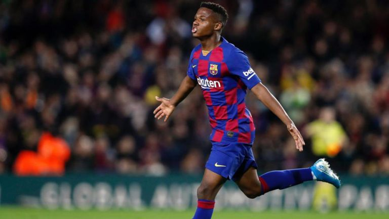 Ansu Fati festeja un gol con el Barcelona