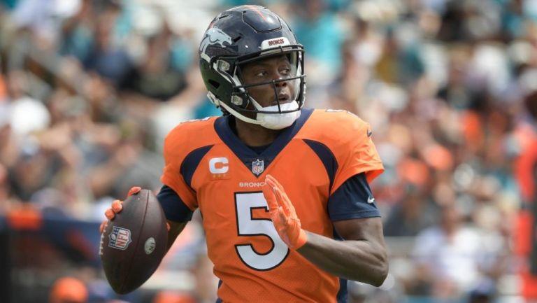 Teddy Bridgewater en el duelo entre Broncos y Jaguars