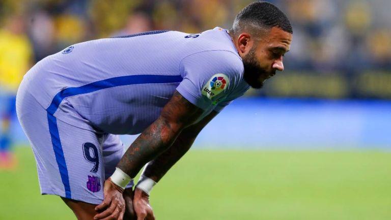 Depay al fallar una jugada ante el Cádiz