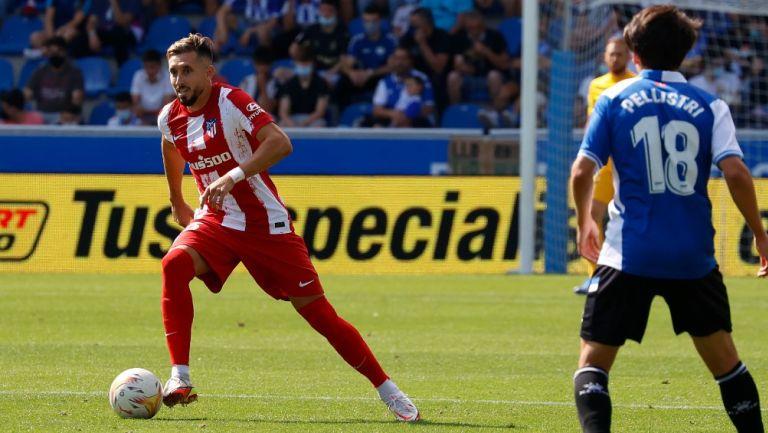 Héctor Herrera en acción con los Colchoneros