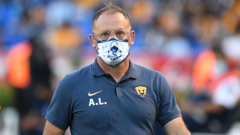 Andrés Lillini en el duelo entre Pumas y América