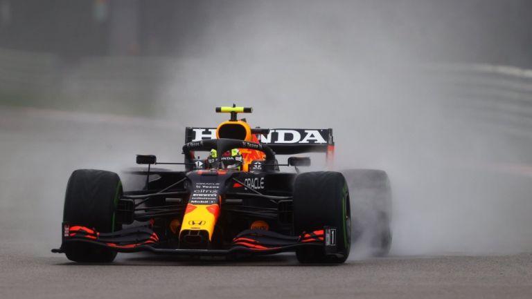Sergio 'Checo' Pérez en acción durante el GP de Rusia