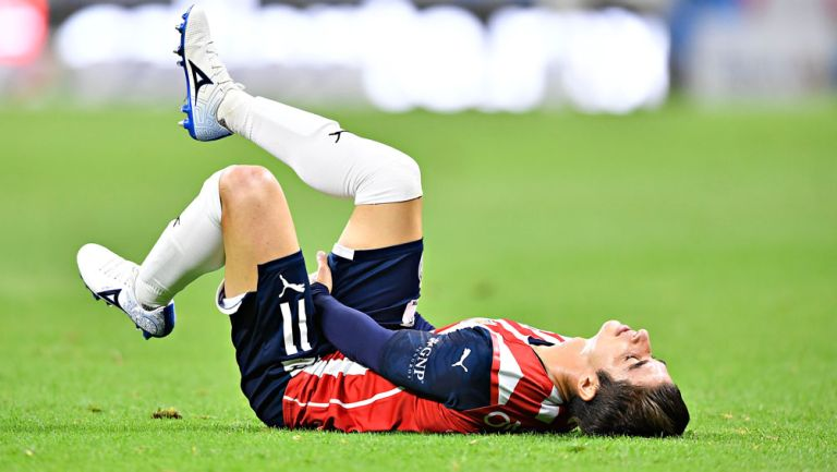 Isaac Brizuela se lamenta en el Clásico Nacional