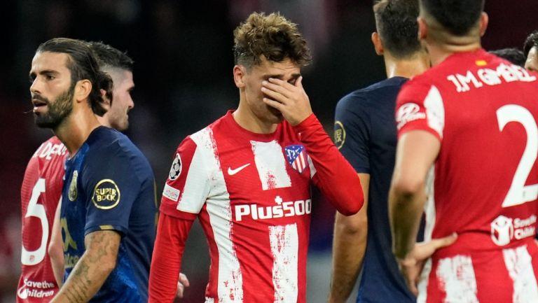 Antoine Griezmann reacciona al finalizar partido contra el Porto en la Champions