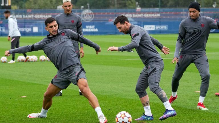 Messi durante entrenamiento con el París Saint-Germain