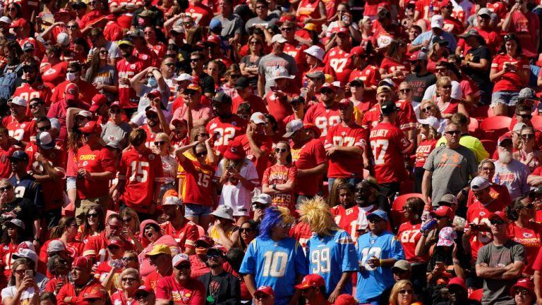 Aficionados de los Chiefs en el Arrowhead Stadium
