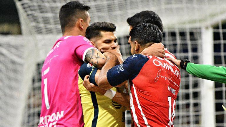 Chivas: Jugadores del Rebaño se burlaron por agresión a Henry Martín