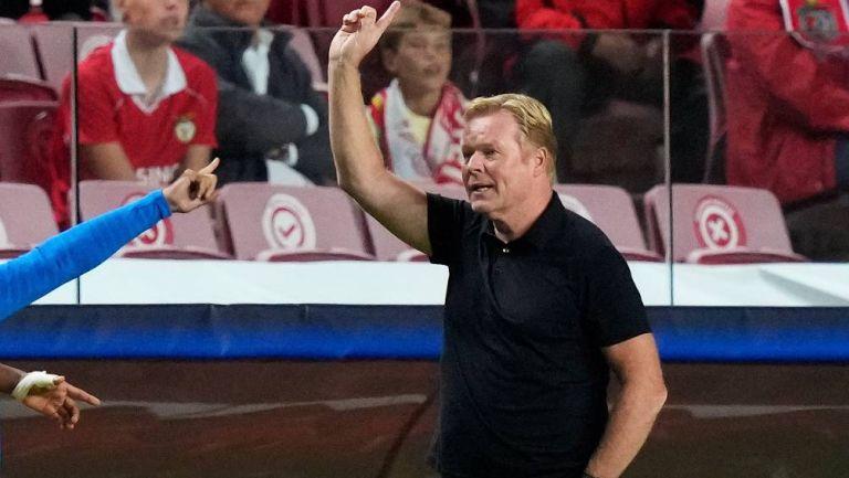 Ronald Koeman en el partido de Benfica
