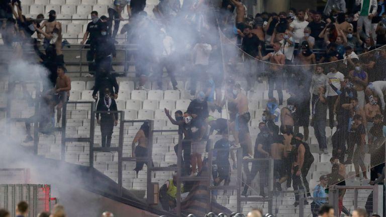 Radicales en la tribuna del Stade Vélodrome
