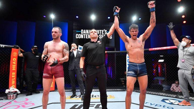 Daniel Zellhuber festejando al finalizar la pelea