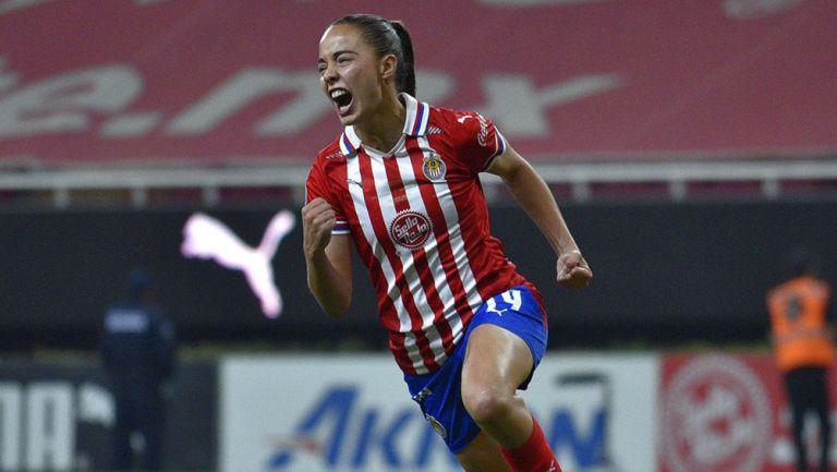 Anette Vázquez en partido de Chivas Femenil