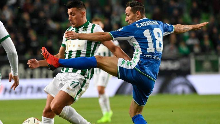 Andrés Guardado en el partido con el Betis