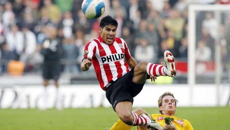 Carlos Salcido en su etapa con el PSV