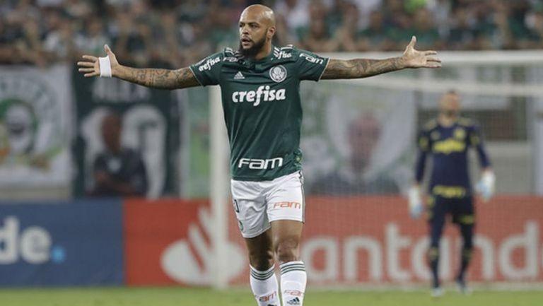 Felipe Melo en un partido con Palmeiras