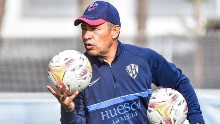 Nacho Ambriz durante entrenamiento del Huesca