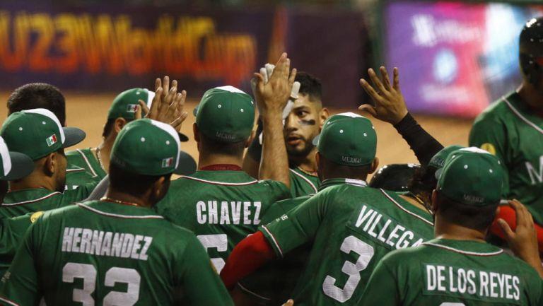 Jugadores de México, en festejo