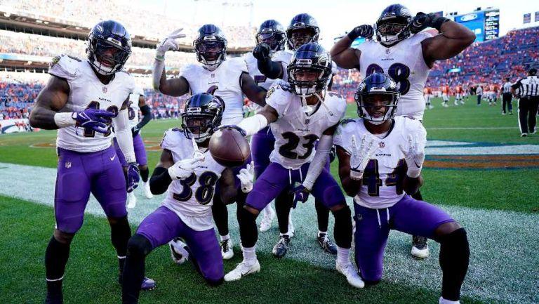 Los jugadores de los Ravens festejando