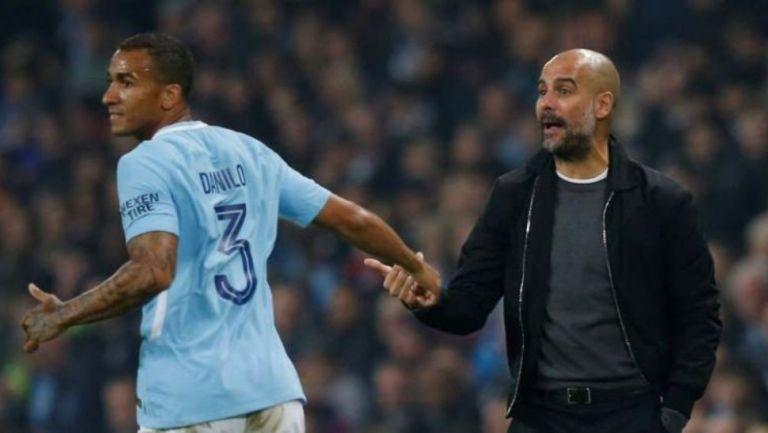 Danilo y Guardiola con Manchester City