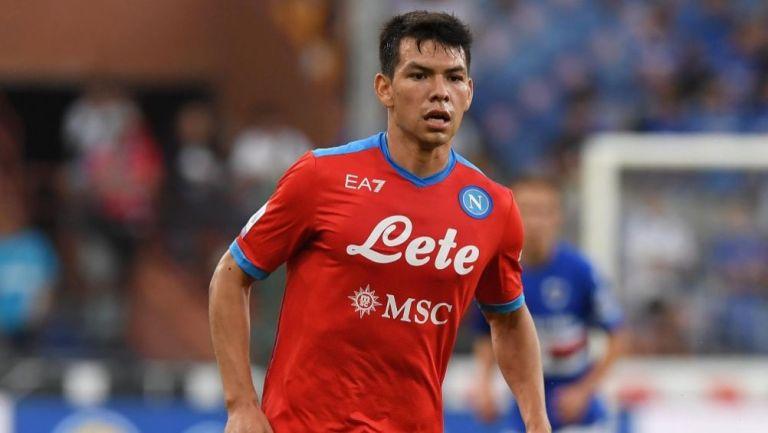 Hirving Lozano en un juego del Napoli