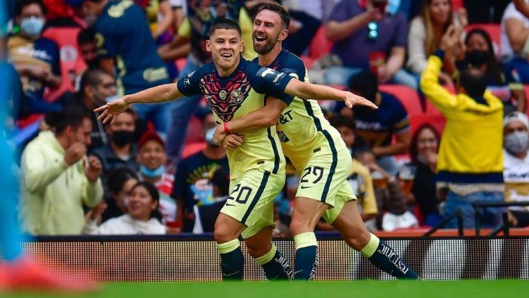 Sánchez festeja su gol