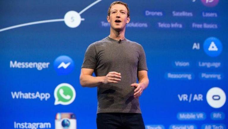 Mark Zuckerberg expone en un evento