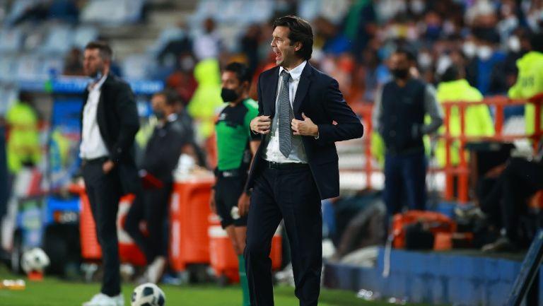Santiago Solari durante un partido con América