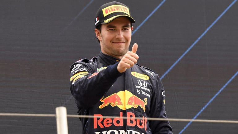 Checo Pérez tras una carrera de Fórmula 1
