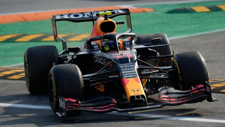 El mexicano en acción en el GP italiano