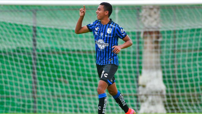 Jesús Hernández en festejo de gol