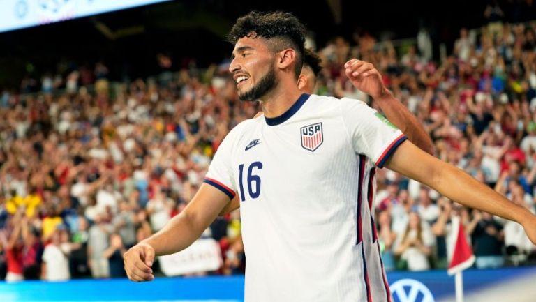 Pepi tras anotar gol a favor de los Estados Unidos