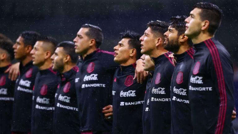 Jugadores de la Selección Mexicana previo a un juego ante Jamaica
