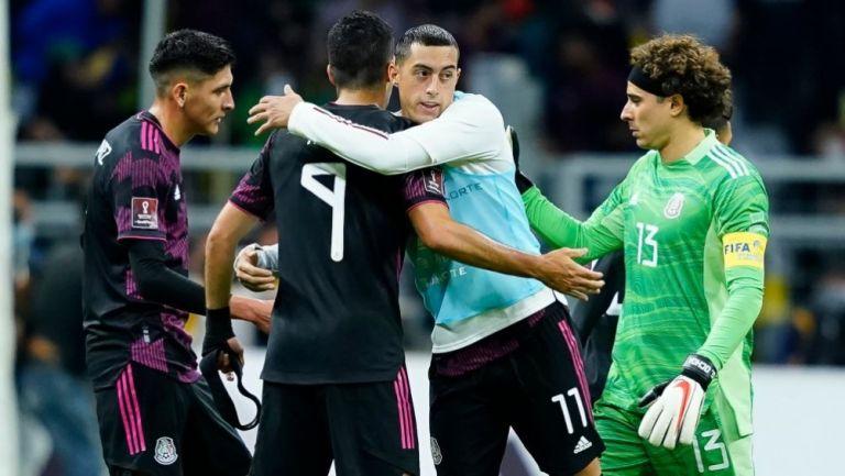 Jugadores de la Selección Mexicana tras el duelo ante Canadá