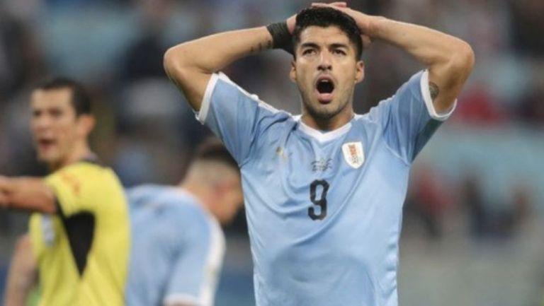 Luis Suárez en un partido de la Selección Uruguaya