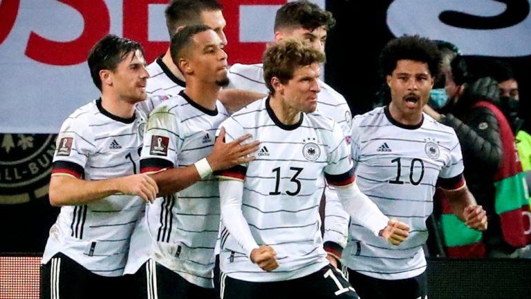 Qatar 2022: Alemania remontó y venció a Rumania para mantenerse en la cima del Grupo
