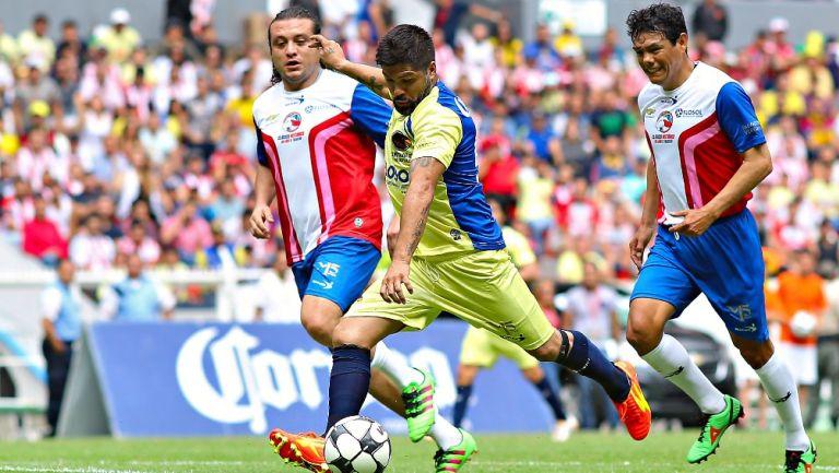 Reinaldo Navia durante partido amistoso entre jugadores históricos del América y las Chivas en 2016