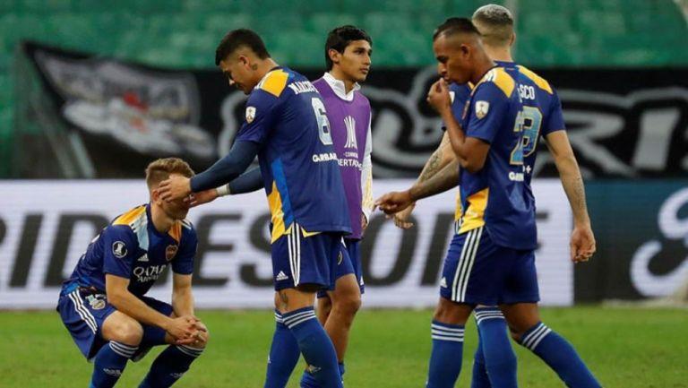 Jugadores de Boca Juniors en lamento