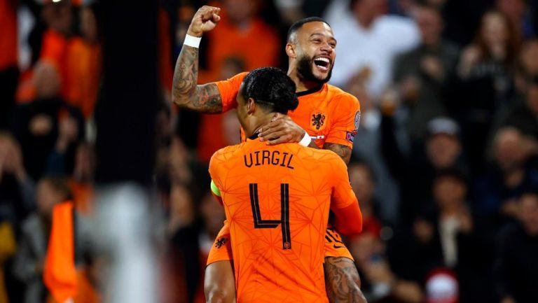 Jugadores de Holanda en festejo