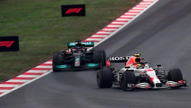 Pérez y Hamilton durante GP de Turquía